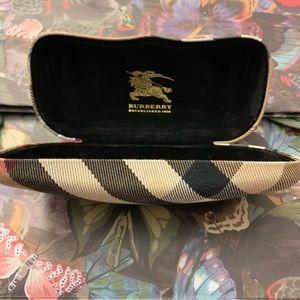 Burberry Nova Check Sunglasses Case!